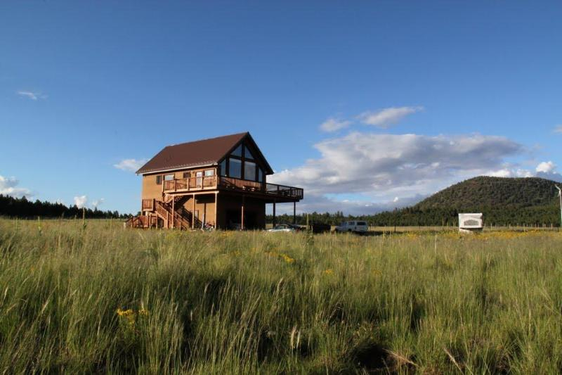 Surrounded by elk grass and open space and facing a glorious mountain view.   - The Mountain Star in Flagstaff/Grand Canyon area - Grand Canyon - rentals