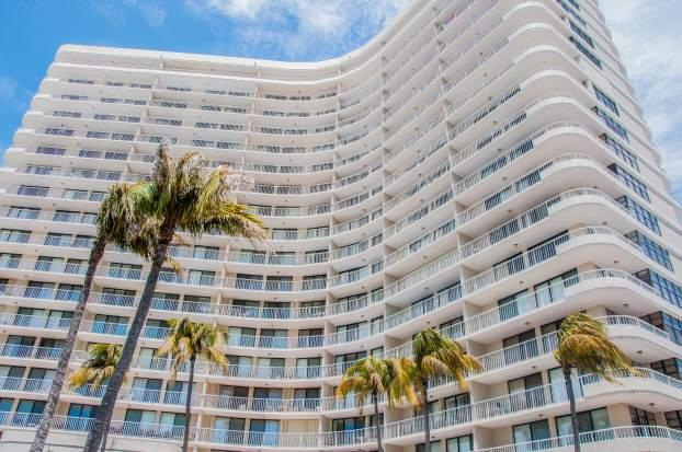 Building Exterior - South Seas - SST3909 - Remodeled Beachfront Condo! - Marco Island - rentals