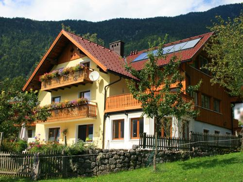 Haus Hepi Bed and Breakfast near Lake Hallstatt - Image 1 - Obertraun - rentals