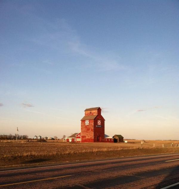 Herrick Elevator, located right along Highway 18 - Herrick Elevator - Herrick - rentals