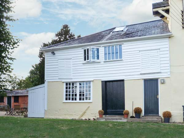 THE GARDEN FLAT AT HOLBECKS HOUSE, pet-friendly, large garden, in Hadleigh, Ref 23722 - Image 1 - Hadleigh - rentals