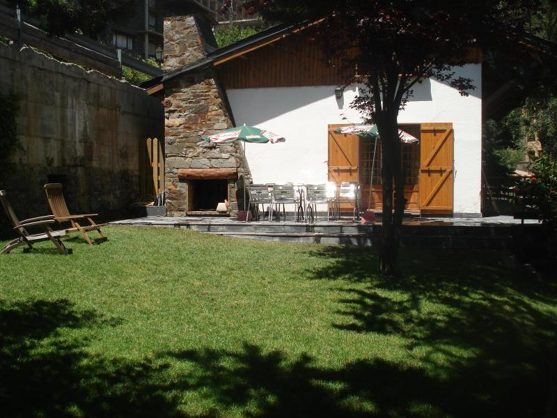 Self catering holiday chalet for up to 10 persons - Image 1 - Arinsal - rentals