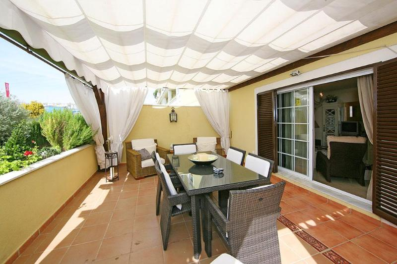 2 bedroom apartment 75 meters from Elviria beach - Image 1 - Marbella - rentals