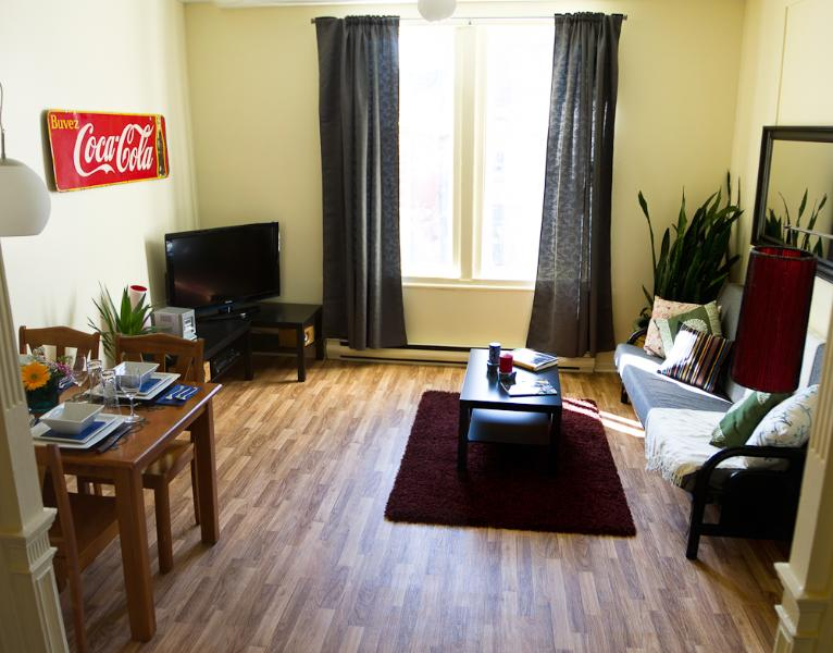 "Perfect Location, Plateau Mont-Royal. ""Le Coca-Cola"". - Image 1 - Montreal - rentals"