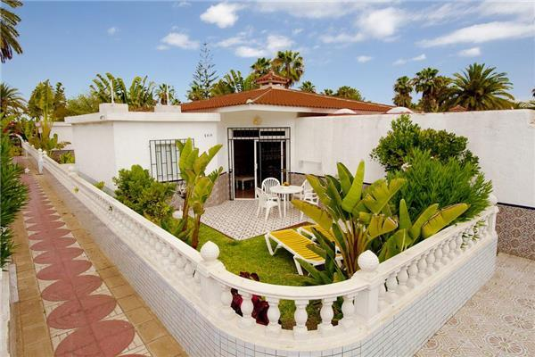 Apartment for 3 persons, with swimming pool , in Playa del Ingles - Image 1 - Playa del Ingles - rentals