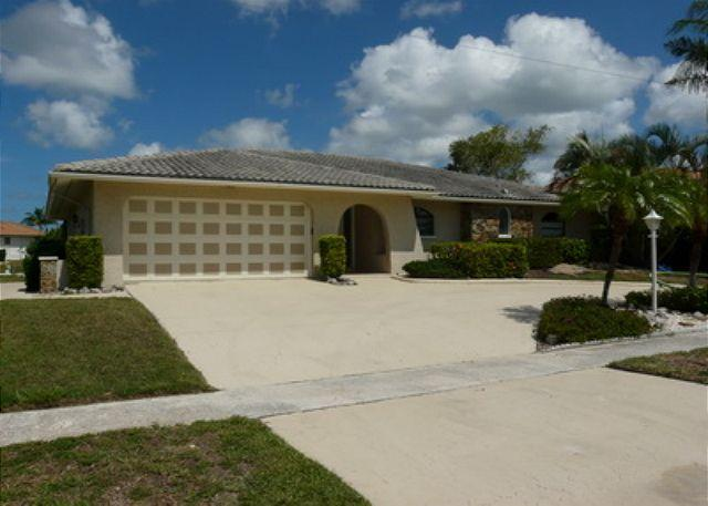 Outside House - 152 Leeward Court - Marco Island - rentals