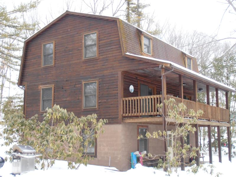 Log Home with Porch - Rock Haul - Swanton - rentals