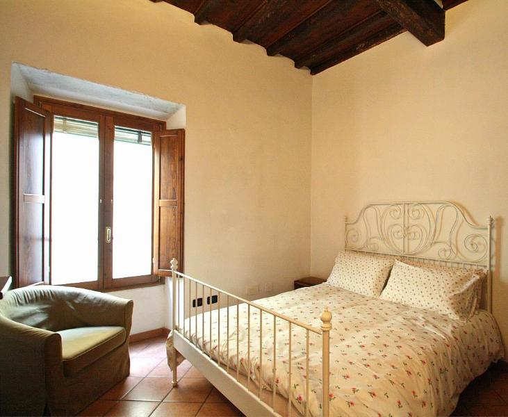 Mimosa Flat in Ponte Vecchio - Image 1 - Florence - rentals