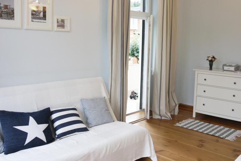 Beach Apartment with Charme - Image 1 - Sopot - rentals