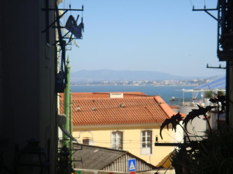 Vista do apartamento - Alfama is in historic center - Lisbon - rentals