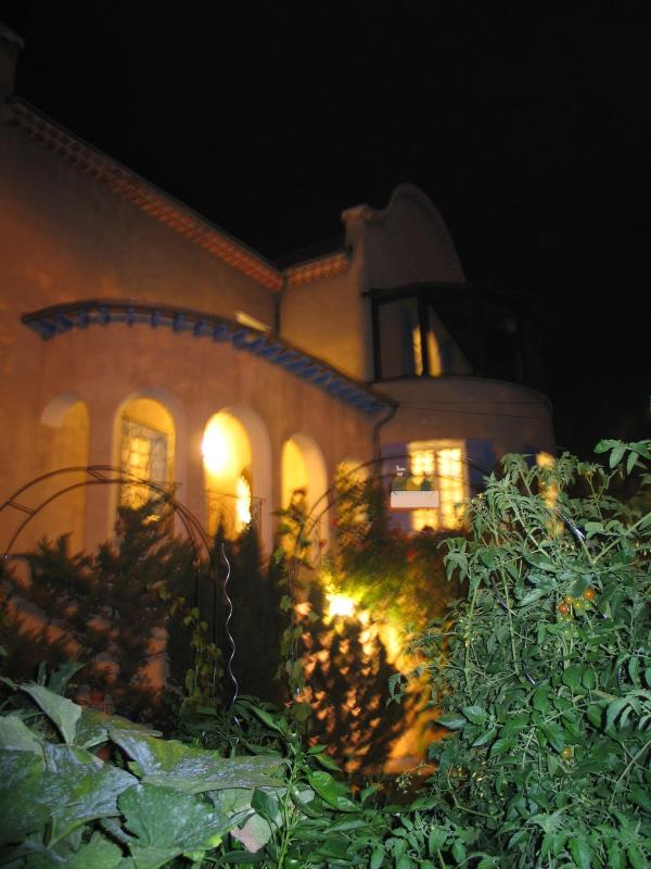Our house at night time... - Bed and Breakfast - Chambres d'hôtes - Gap - rentals