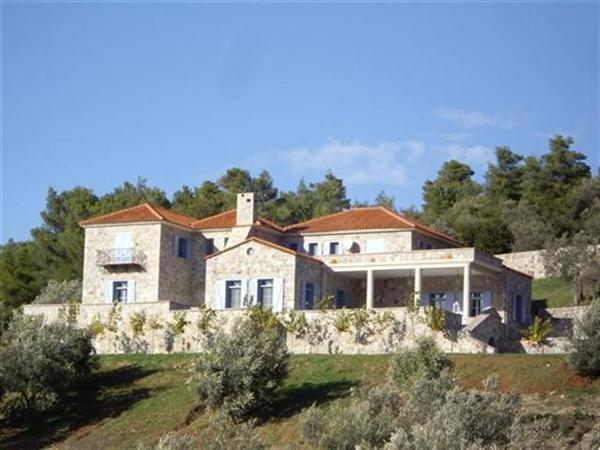 Frontal view of Manor House - High Groves Estate - Epidavros - rentals