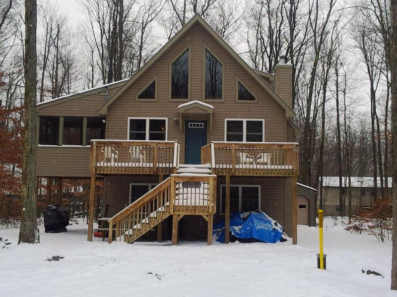 Winter Getaway - Arrowhead Retreat - 2, 3 or 4 nites same price! - Pocono Lake - rentals