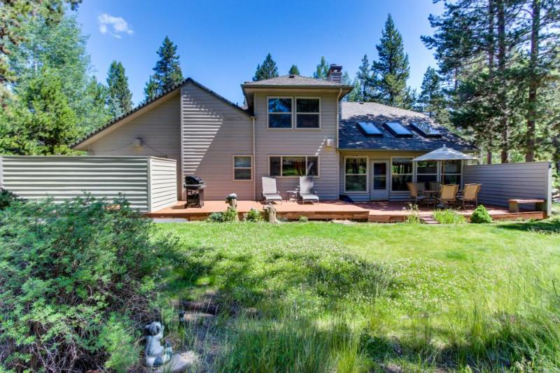 10 Mugho Lane on Woodlands Golf Course - Image 1 - Sunriver - rentals