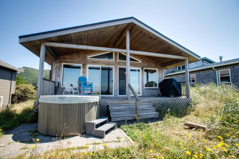 Aliyah - Oceanfront home with hot tub! - Image 1 - Rockaway Beach - rentals