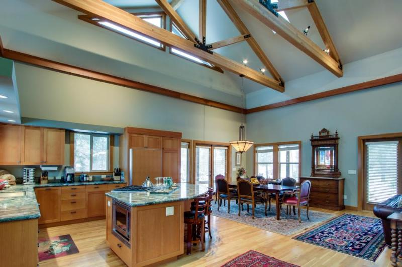 Riverfront With Hot Tub, WiFi and Private Dock - Image 1 - Sunriver - rentals