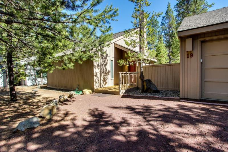 19 Camas Vacation Rental - Image 1 - Sunriver - rentals