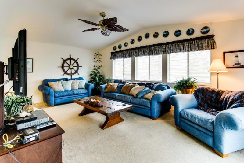Oceanic Loop Beach House - Image 1 - Waldport - rentals
