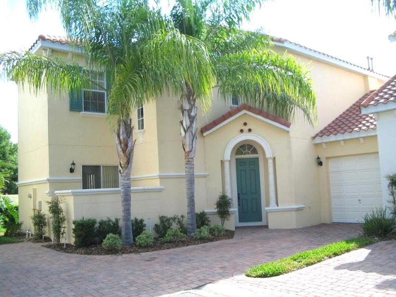 Welcome to Paradise - Tuscan Hills Villa - 2 Master Bedrooms w Pool/SPA - Davenport - rentals