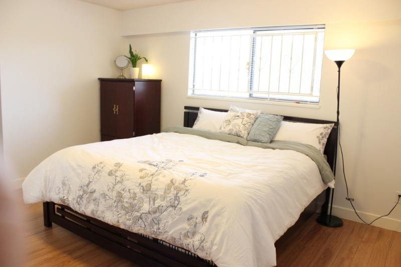 Unique private master bedroom in convenient area - Image 1 - Vancouver - rentals