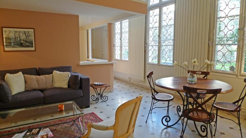 Apartment Saint Paul Paris apartment 4th, Paris flat in city center, Paris weekly rental, two bedroom rental Paris - Image 1 - 4th Arrondissement Hôtel-de-Ville - rentals