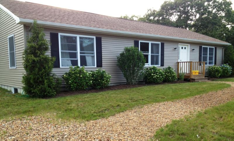 #100021 Lots of open space for outdoor games and dining - Image 1 - West Tisbury - rentals