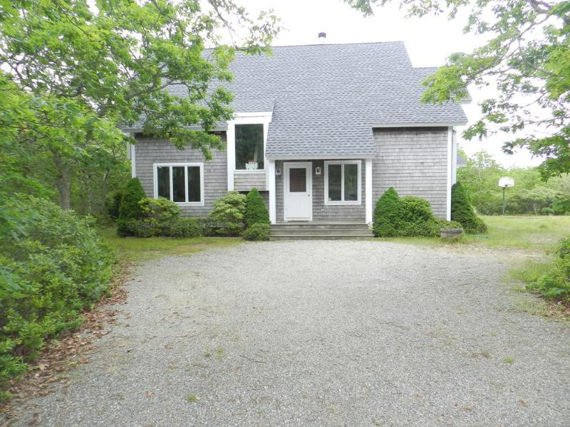 #1011 Located in a quiet cul-de-sac in West Tisbury - Image 1 - West Tisbury - rentals
