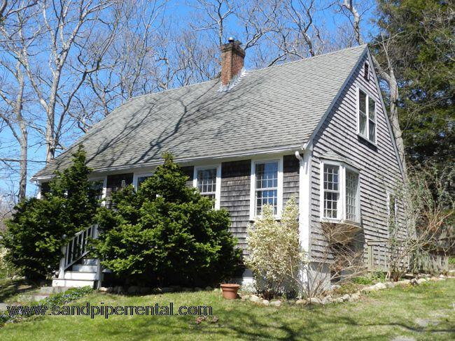 #1220 Cape style home in Vineyard Haven - Image 1 - Vineyard Haven - rentals