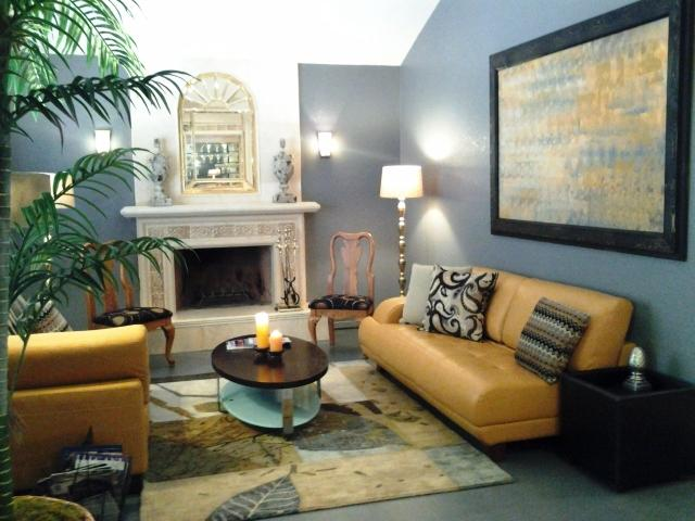 elegant Living Room with Fire Place - Cozy Home in the heart of Las Vegas - Las Vegas - rentals