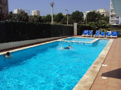 1 Bed Apt with BBQ & Pool close to Praia da Rocha - Image 1 - Praia da Rocha - rentals