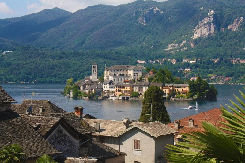 Aprtment with beautiful lake view in the centre. - Image 1 - Orta San Giulio - rentals