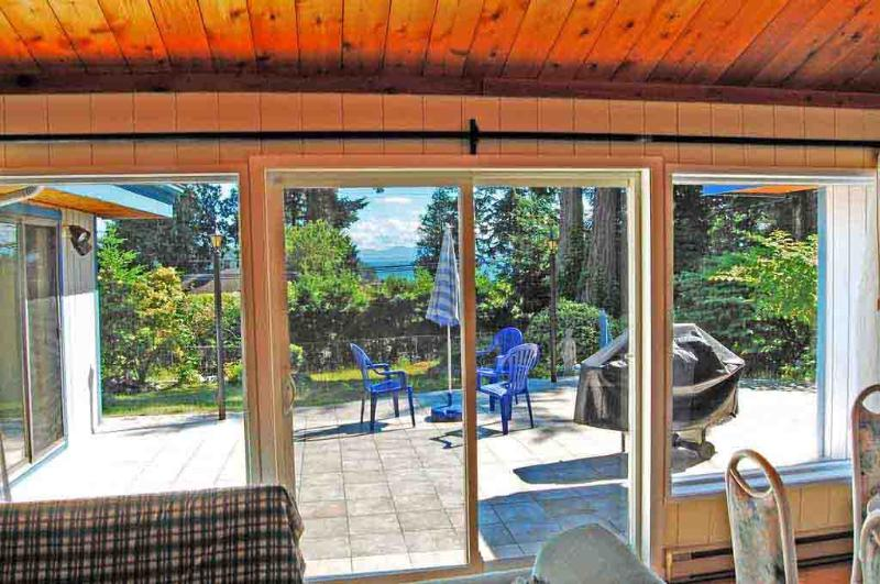 View from living room - Coast Villa, ocean view cottage accommodate  2-12 - Sunshine Coast - rentals