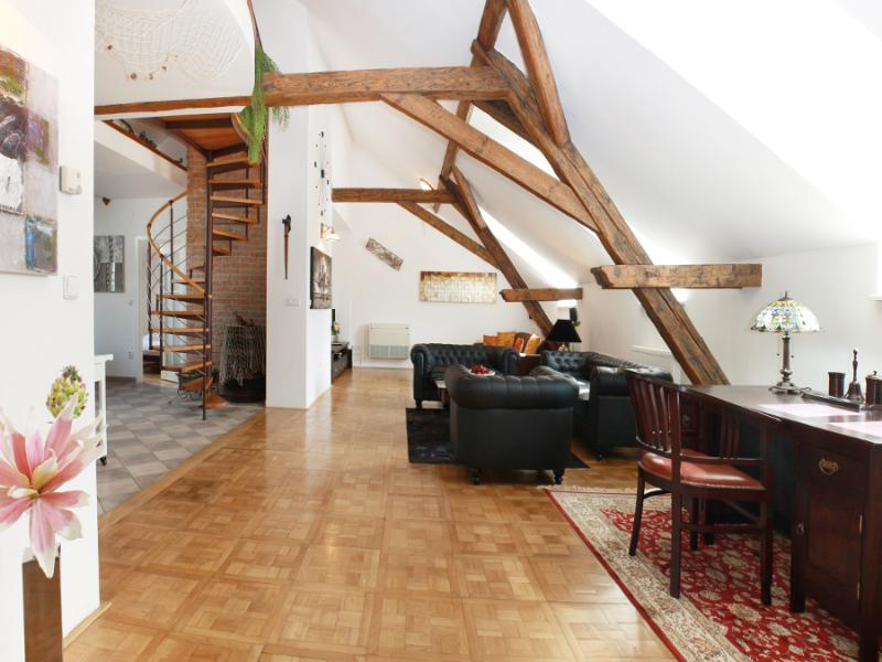 Living room (Downstairs) - Attic Hastalska - Luxury Three Bedroom & Two Bathroom Apartment - Attic Hastalska - Luxury three bedroom apartment - Prague - rentals