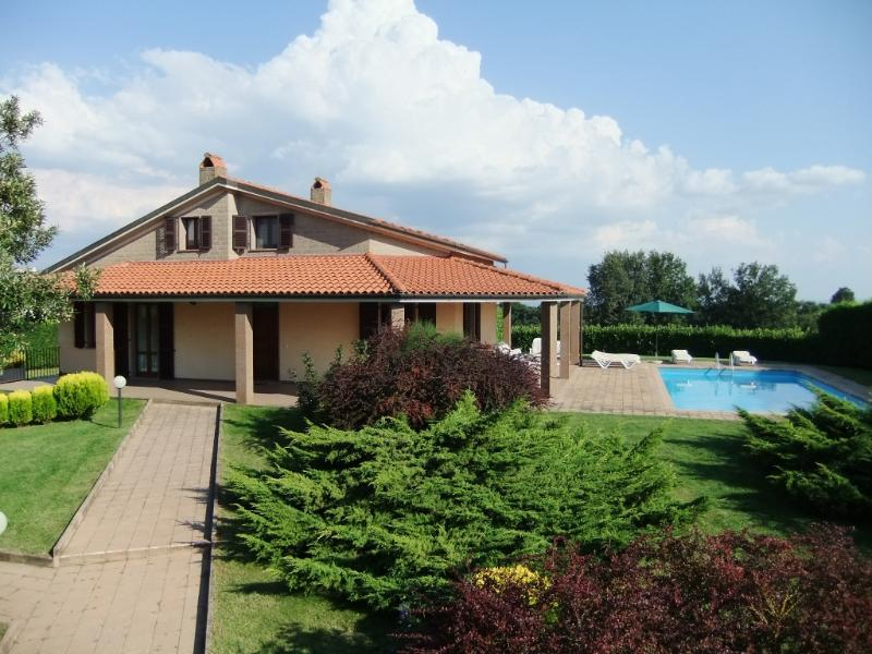 Villa La Rondine - Charming Villa, private Pool for relaxing holiday - Lubriano - rentals