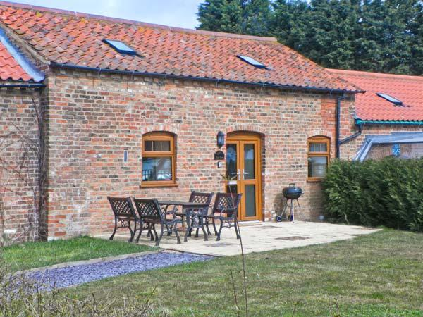 BYRE COTTAGE, woodburner, pet-friendly, enclosed garden, in Covenham St Bartholomew, Ref 22646 - Image 1 - Louth - rentals