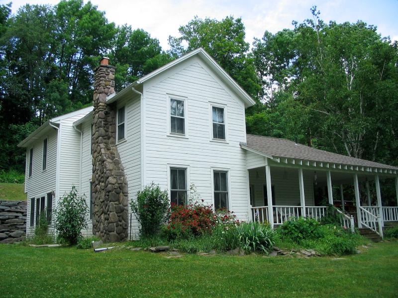 Charming farmhouse - built in 1878 - 1878 Farmhouse - Shandaken - rentals