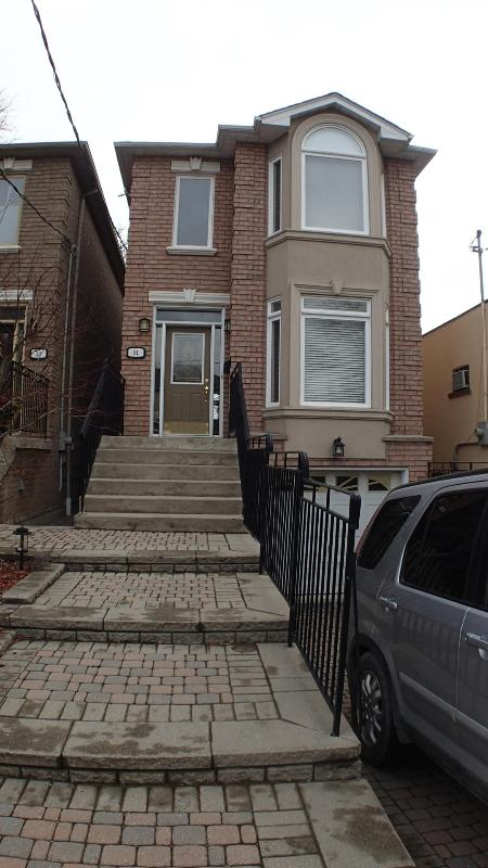 Street view - Beautiful Home - Excellent location - Toronto - rentals
