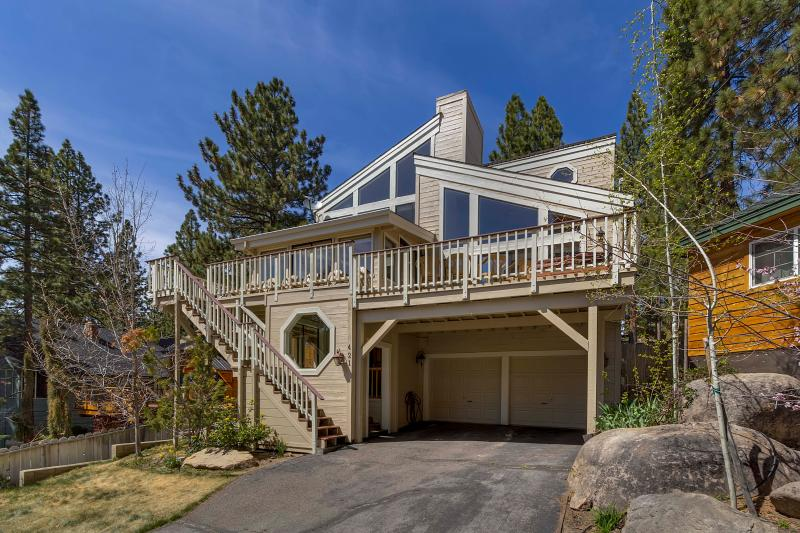 Elk Point Vista on East Shore of Tahoe sleeps 14 - Image 1 - Zephyr Cove - rentals