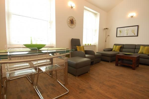 bright and Sunny sitting room - Smart and stylish Kings Road - Chelsea Apartments - London - rentals