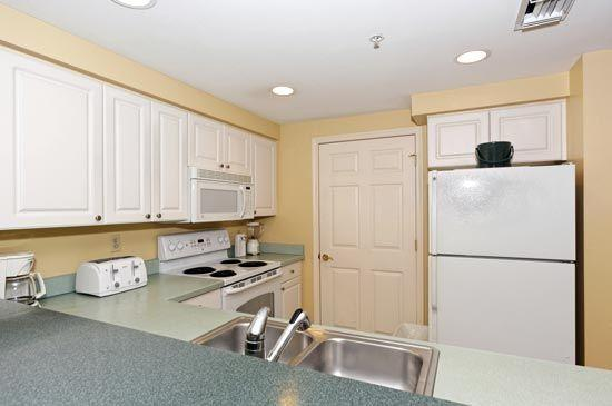 Kitchen - RBC Heritage Golf 2+3 Hilton Head April 13-20th - Hilton Head - rentals
