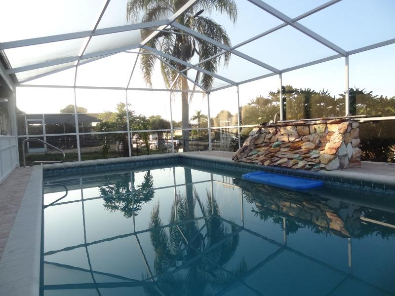 Pool - Villa with water front - Englewood - rentals