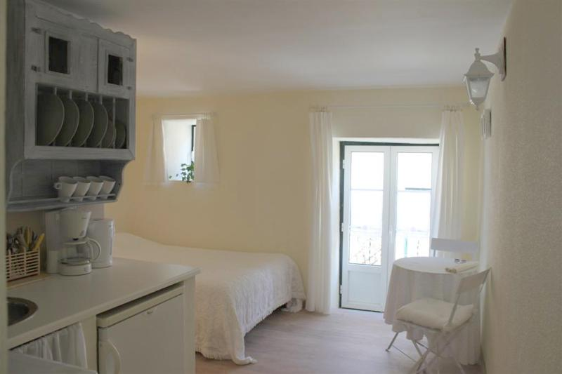 studio - from the entrance - Studio for two - Pantheon/Alfama - Lisbon - rentals