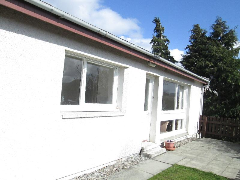 Ben Nevis Cottage - Riverside Chalet , Strathpeffer,Scottish Highlands - Contin - rentals