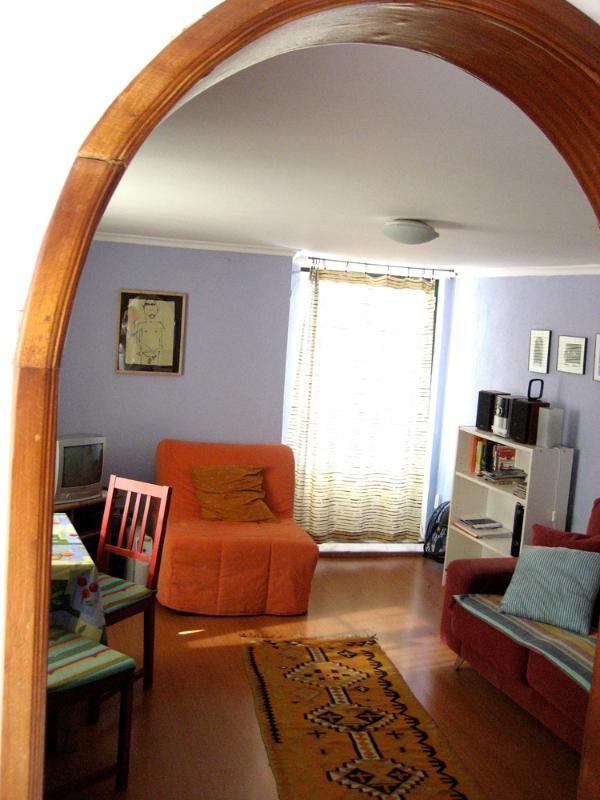 view of living room - Sunny holiday 1 BR rental Lisbon / Alfama - Abrantes - rentals