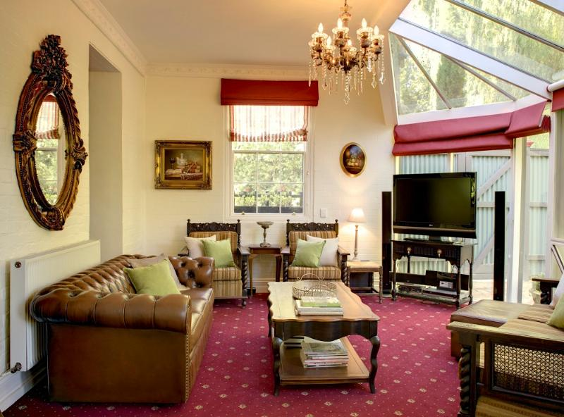 Keebles, magnificent inside and out, sleeps 12 - Image 1 - Clunes - rentals