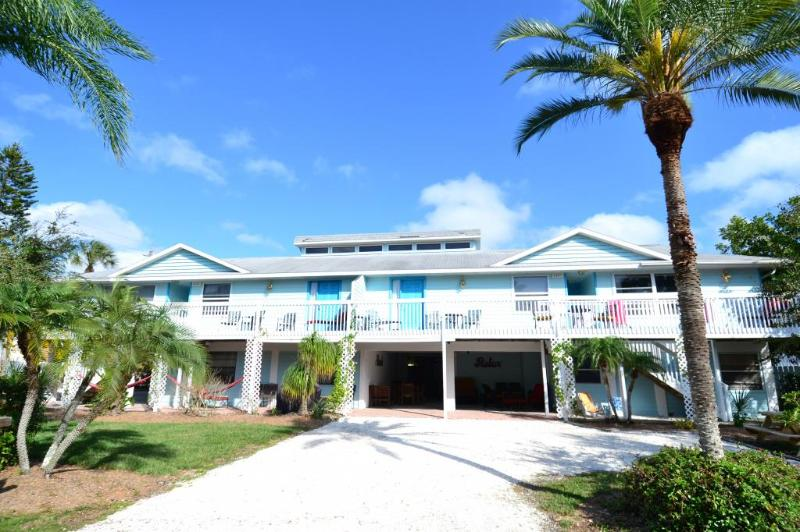 Old Man and the Sea Inn 2BR- 1 marlin to the sand! - Image 1 - Siesta Key - rentals