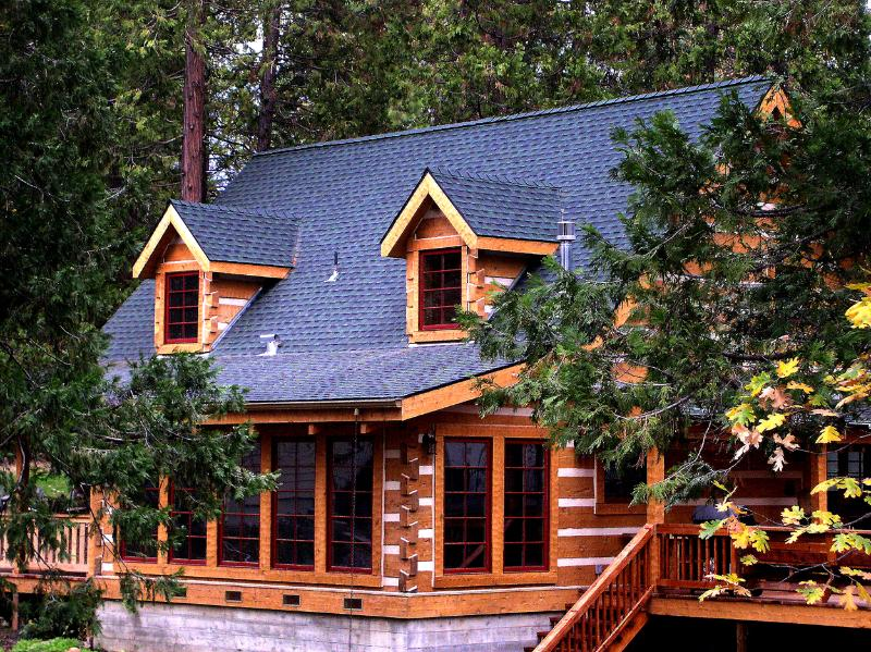 Welcome to the Mount's Bass Lake Log Cabin - The Mount's Bass Lake Log Cabin Vacation Rental - Bass Lake - rentals