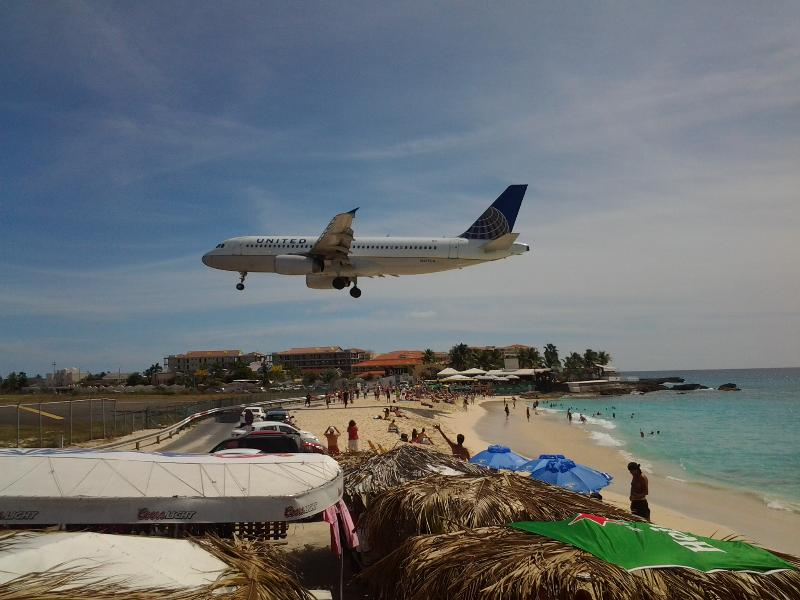 When on Maho bch it's almost as if you can touch jets flying in! Exciting! - SPECIAL=BOOK 3 GET 1 BOOK 5 GET 2 OCEANVIEW+ WiFi - Saint Martin-Sint Maarten - rentals
