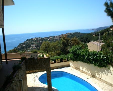 Attractive holiday house for 12 persons, with swimming pool , in Lloret de Mar - Image 1 - Lloret de Mar - rentals