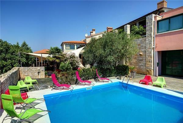 Holiday house for 10 persons, with swimming pool , in Pula - Image 1 - Pula - rentals